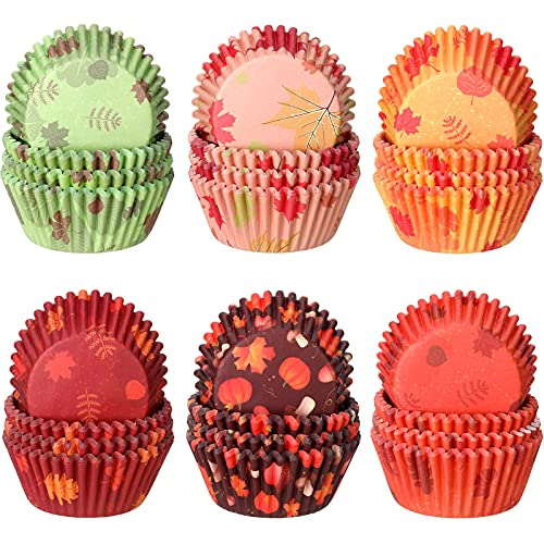 600 Pieces Thanksgiving Cupcake Liners Pumpkin Maple Leaf Cupcake Baking Cups Autumn Thanksgiving Muffin Liners Paper Baking Cups for Home Baking Kitchen Fall Themed Party Candy Liners Party Supplies