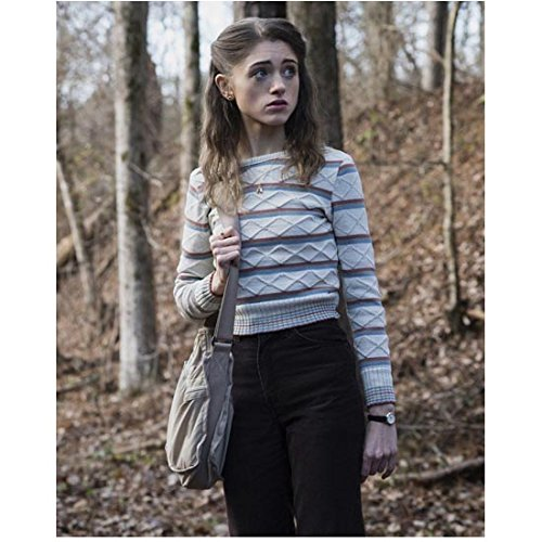Stranger Things (TV Series 2016 - ) 8 inch x10 inch Photo Natalia Dyer Looking Anxious in Woods kn