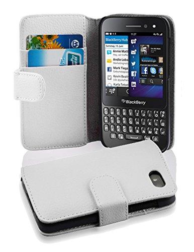Cadorabo Hülle für BlackBerry Q5 in Magnesium WEIß – Handyhülle aus Strukturiertem Kunstleder mit Standfunktion & Kartenfach – Hülle Cover Schutzhülle Etui Tasche Book Klapp Style