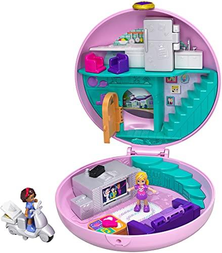 Polly Pocket GDK82, Coffret Univers Soirée Pyjama Donuts, 2 Mini-figurines, Accessoires, Autocollants et Surprises Cachées, Jouet Enfant, Multicolore