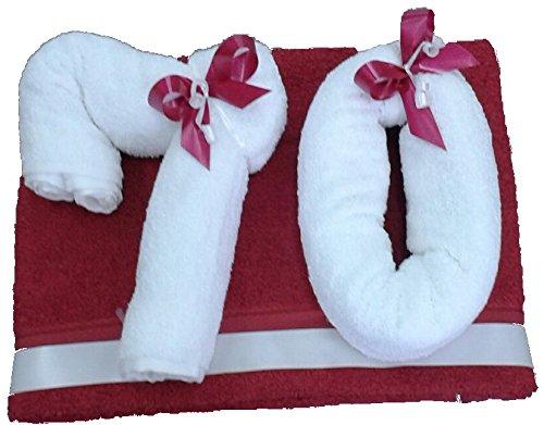 Frotteebox Geschenk Set Jahreszahl 70 in Handarbeit geformt aus 2X Handtuch (100x50cm) weiß, 1x Handtuch (100x50cm) Bordeaux-rot. Gewünschte Jahreszahl auswählbar (Siehe Artikelbeschreibung)