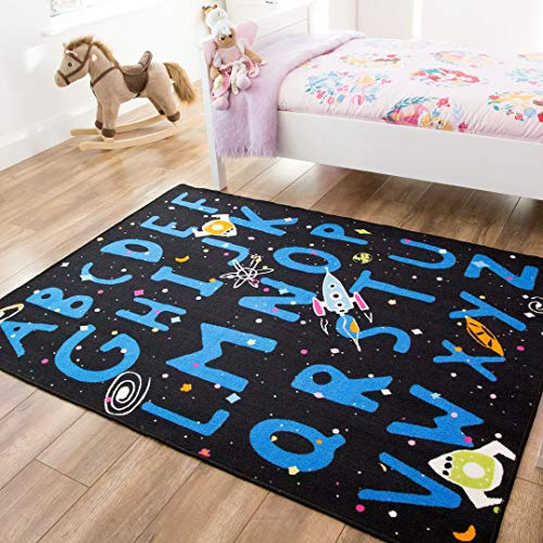 The Rug House Tapis Alphabet A-Z Espace Vaisseau Spatial Bleu Noir Coloré Garçons Enfants Espace Jeux au Sol