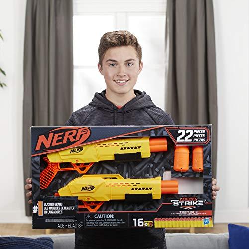 Junge mit Nerf Alpha Strike
