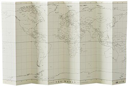 世界地図の白地図を一枚用意して、プレゼンが終わった国には色を塗っていくと、達成感を共有しやすいです。  白地図に、覚えておきたいことや国旗なども記入しておくと、まるで世界旅行をしているような気分を味わえそうですね。  このようにポスターにもできそうな世界版白地図を使えば、インテリア性も◎ 部屋にも飾りやすいです。