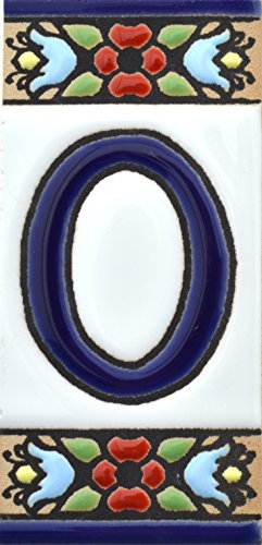 Borden met cijfers en nummers op veelkleurige keramische tegel. Handgeschilderde koordtechniek voor borden met naam, adressen en wegwijzers. Persoonlijk vormgegeven, Design Flores Mini Nummer nul