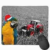 Kleiner roter Spielzeugtraktor in Gras Rechteckiges rutschfestes Gaming-Mauspad Tastatur Gummi-Mauspad für Heim- und Büro-Laptops