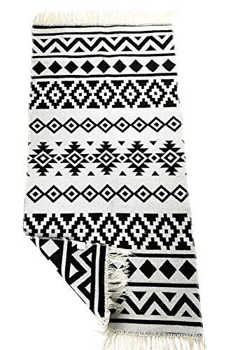 SOLTAKO Tappeto passatoia con frange e motivo utilizzabile su entrambi i lati, stile boho, etnico, marocchino, lavabile, vintage, modello Karthago (nero/ecru), 135 x 65 cm