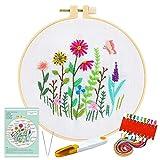 Pllieay - Kit de bordado de gama completa con patrón e instrucciones, ropa bordada blanca con patrón floral, aros de bordado de plástico, hilos de colores y herramientas