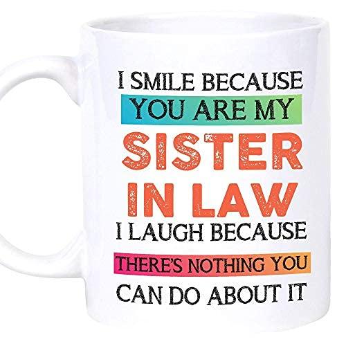 Regalos para el Día de la Madre para la cuñada, regalos de hermana grande, cumpleaños de pequeña cuñada, divertido taza de café ideas sobre cumpleaños, taza de café de Navidad (blanco, 15 onzas)