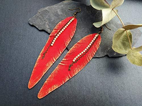Pendientes rojos bohemios largos plumas cuero y cadena de strass