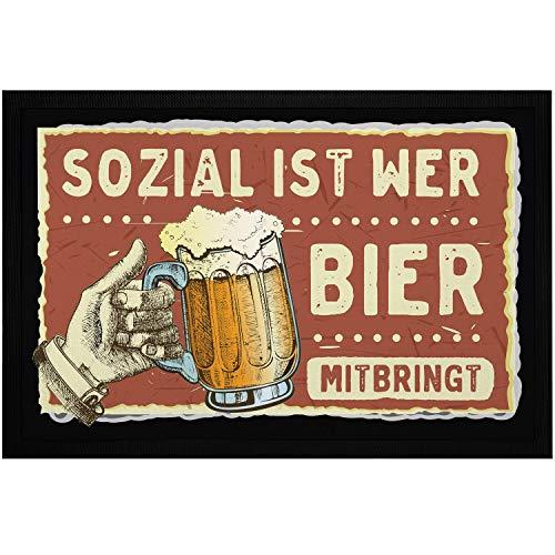 MoonWorks® Fußmatte mit Spruch Sozial ist wer Bier mitbringt Satire Zitat-Parodie Bierkrug Bierspruch rutschfest & waschbar schwarz 60x40cm