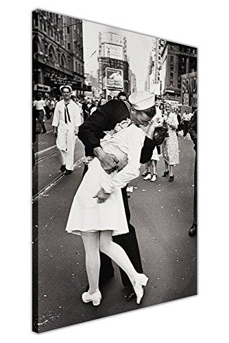 Canvas It Up Stampa Artistica da Parete su Tela, con Motivo Bacio del Marinaio ad Una Infermiera in Times Square a New York, nel Periodo della seconda Guerra Mondiale, 2 Foto