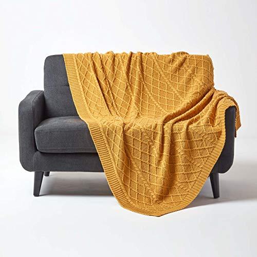 Homescapes gebreide sprei 150x200cm, zachte woondeken van 100% katoen, ideaal als knusse deken of sprei, gebreide deken met kabelpatroon voor bank en bed, uni kleuren mosterdgeel