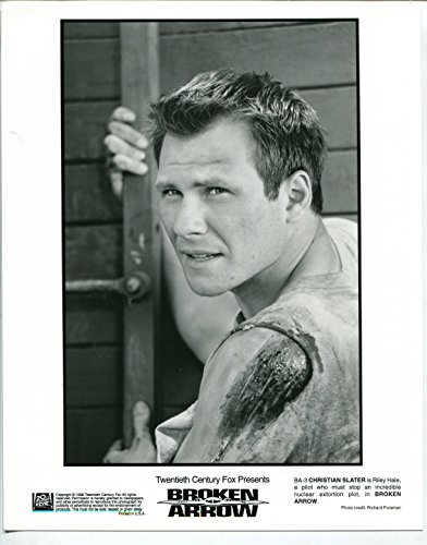 MOVIE PHOTO: BROKEN ARROW #3 1996-8 x10-STILL-CHRISTIAN SLATER-PHOTO PORTRAIT-vf