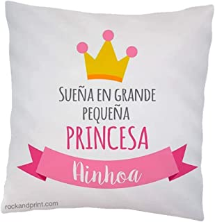 Cojín Princesa sueña en grande. 40x40 cm, incluye relleno. Elige el color del diseño. Guardería y Decoración Infantil. Reg...