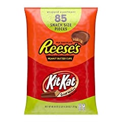 One bag of Reese's and Kit Kat Assorted Snack Size Pieces Perfect for parties, movies or snacking at home or at the office Large bag of assorted chocolate candy is great for sharing Enjoy them as a sweet treat anytime, or hand them out on Halloween P...