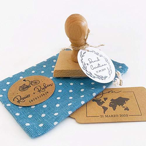 MONAMÍ - Sello personalizado para boda. Mango de madera y sello de 45 mm.