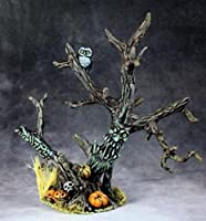RPR03692 Haunted Halloween Tree Miniature Dark Heaven Legends Reaper Miniatures by Reaper