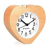 Navaris Reloj Despertador de Madera con función Snooze - Reloj Retro analógico con diseño de corazón - Reloj silencioso con luz en marrón Claro