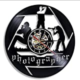 FUTIIF Vinyle Hommes Football Match Silhouette Disque Vinyle Bande Rétro-Éclairé Joueur De Sport Horloge Murale 30X30 Cm avec LED