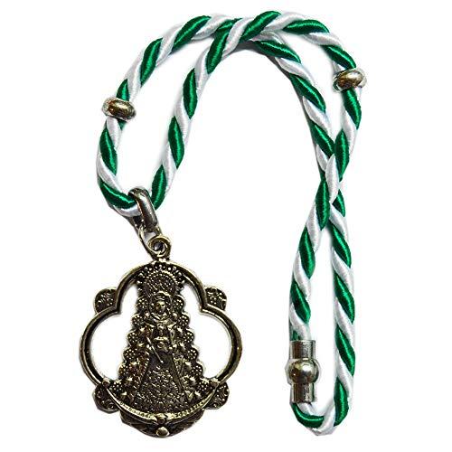 Colgador para Coche Virgen del Rocío. Cordón Color de la Bandera de Andalucía. Cierre con imán. Medida Total: 25cm.