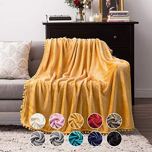 MIULEE Kuscheldecke Fleecedecke Flanell Decke Mit Pompoms Einfarbig Wohndecken Couchdecke Flauschig Überwurf Mikrofaser Tagesdecke Sofadecke Blanket Für Bett Sofa Schlafzimmer Büro 153x203cm Gelb