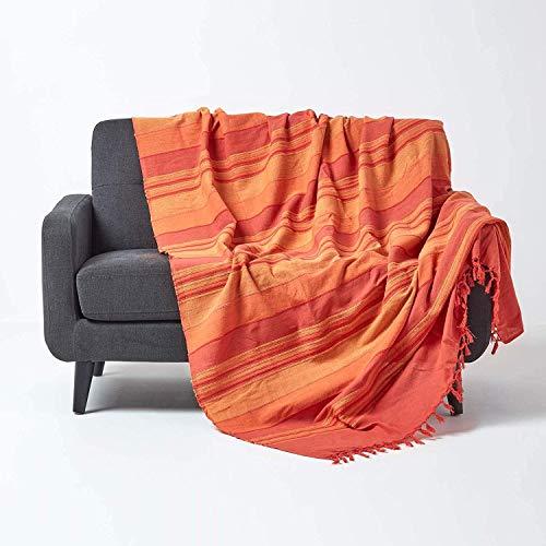 Homescapes Tagesdecke / gestreifter Sofaüberwurf Morocco in Terrakotta-Orange 225 x 255 cm – handgewebt aus 100{ec37bbf454964da70026edfd1de8dfed60dc4e9cc337e0fce9ff8eec882604bf} reiner Baumwolle mit Fransen