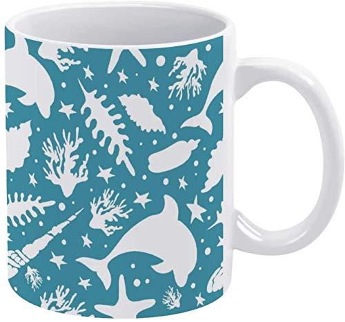 Taza de café con diseño de delfín de acuarela con fondo verde azulado
