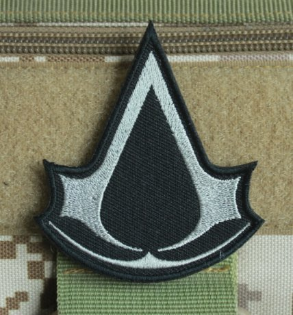 Assassin's Creed LogoMilitary Patch Fabric Embroidered Badges Patch Tactical Stickers for Clothes with Hook & Loop (color1)
