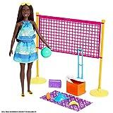 Barbie Aime les Océans coffret pour poupée Journée à la Plage avec Chaise Longue, fabriqué à partir de plastique recyclé, jouet pour enfant, GYG17