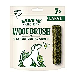 A daily dog dental stick that will reduce tartar build up, cleans teeth and freshens your dog's breath Dog dental chew (4 packs of 7 chews) designed specifically for large dogs Made with natural ingredients: 2.2 Percent algae, 0.3 Percent fennel and ...
