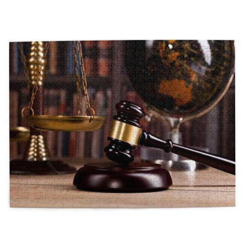 Rompecabezas con Imágenes 500 Piezas,Sala de oficina vintage en un bufete de abogados con justicia,martillo legal y un viejo globo con Law and Co,Juego Familiar Arte de Pared Regalo,20.4' x 15'