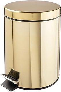 mDesign Cubo de basura con pedal – Contenedor de residuos de metal con tapa y cubo plástico removible – 5 litros – Para cosméticos o como papelera de baño, cocina u oficina – latón