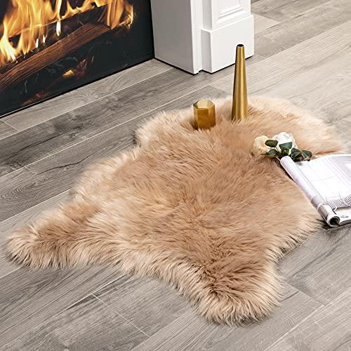MIULEE Faux Fell Teppich Flauschig Weiche Warm Modern Bodenmatte Sofa Matte Kunstfell Dekofell Unregelmäßig Bettvorleger Wolle Longhair Optik Gemütliches Kamel 75x120cm