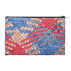 Fashionable Color & woven style makeup case gives you elegant look. Waterproof, durable and easy to clean, it can protect your items well. Great for travel or display on your home dresser. A must-have for organizing and storing all your beauty essent...