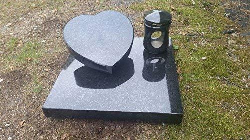 ABC Grabstein Liegestein Schwarz Urnengrabstein Herz aus Granit 30cm x 30cm x 6cm inklusive Grabplatte 50cm x 50cm x 6cm und Grablaterne 26cm x 15cm