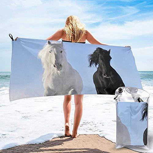 Toalla De Playa De Secado Rápido Caballos Blancos Y Negros Correr Microfibra Impresa Toallas De Baño Ligeras Adecuado para El Hogar Niños Y Adultos Camping Natación Yoga-31.5'X63'