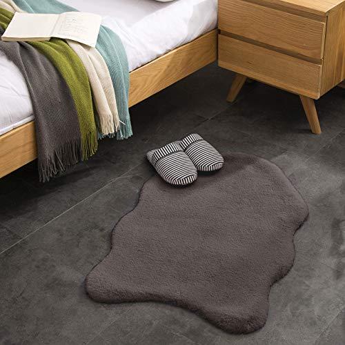 Kurzfell-Teppich Kunstfell Hasenfell Imitat | Wohnzimmer Schlafzimmer Kinderzimmer | Als Faux Bett-Vorleger oder Matte für Stuhl Hocker Sofa (Dunkelgrau, 55 x 80 cm)