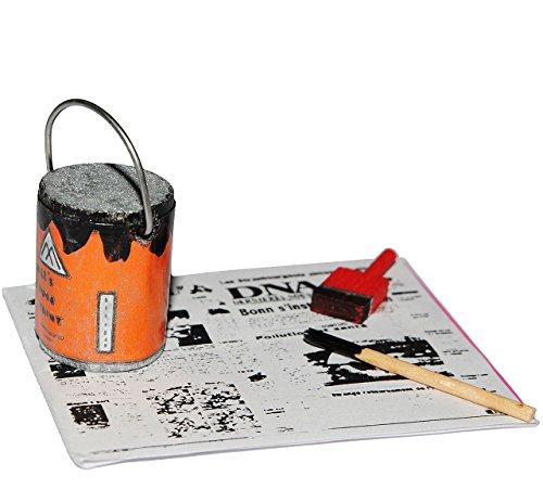alles-meine.de GmbH 1 Set _ Malerzeug auf Zeitungspapier mit Farbeimer & Pinsel - Miniatur für Puppenstube Maßstab 1:12 - Puppenhaus Puppenhausmöbel - Wohnzimmer - Wohnung Streic..
