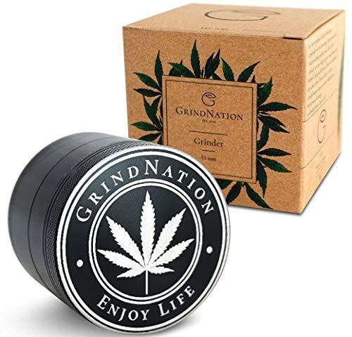 GrindNation Premium Grinder ø 55mm   Aluminium   4-teilig   Set inkl. Pinsel, Beutel & Pollenschaber   Scharfes Mahlwerk und starker Magnet   mehrere Farben verfügbar (Schwarz)