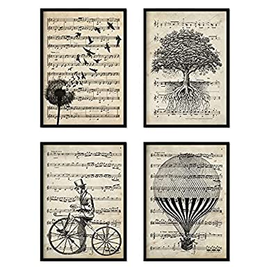 Foto di Nacnic set di 4 Stampe artistiche sfondo VINTAGE con pentagramma musicale. Raffigurazione in primo piano di mongolfiera, dente di leone, albero e bicicletta, con note musicali.