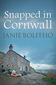Snapped in Cornwall (Cornwall Mysteries Book 1)