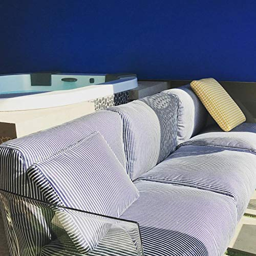 Kartell, Pop Outdoor 704362, sofá de 3 plazas de jardín exterior, 242 x 70 cm. Cojines a rayas azules.