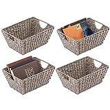 mDesign Juego de 4 cestas trenzadas con asas – Organizador de estantes para dormitorio, salón, baño o pasillo – Cestas organizadoras de jacinto de agua para accesorios del hogar – gris