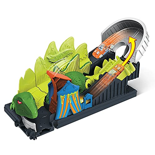Hot Wheels Dino Coaster Attack Playset with Roller Coaster, Stegosaurus Dinosaur Challenge & One 1:64 Scale Hot Wheels Vehicle for Kids 4 to 8 Years Old, Connects to Other Sets