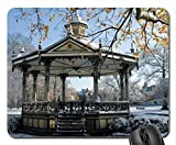 Mesllings Mauspad, Springbrunnen und Pavillon im Winter Mauspad, Mauspad (Vergnügungsparks Mauspad) 9,25 x 7,75