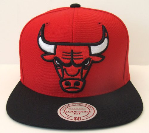 Chicago Bulls XL Logo Mitchell & Ness Snapback Cap Red Black