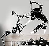 Calcomanía de pared de vinilo de warmlinan Chica desnuda en bicicleta Pegatinas de cuerpo hermoso Mural de arte extraíble para decoración de sala de estar de dormitorio