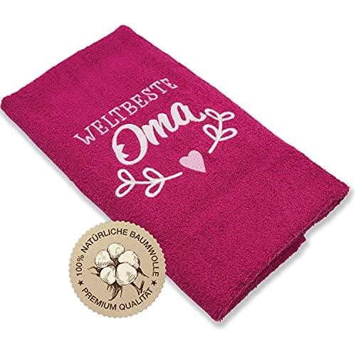 Das Original – Weltbeste Oma- Dein Geschenk für Oma das bestickte Handtuch 100×50cm aus 100{24a7062fafa32c05207fc350b16fe064bfa4a4685738afd643a7a46a7901eb31} Baumwolle. Für Deine beste Oma zur täglichen Verwendung. Oma Geschenk von Herzen/HISA DARIL® (Beere)