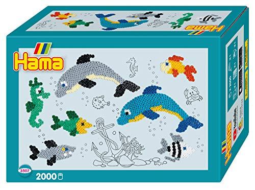 Hama Perlen 3507 Geschenkset Delfin mit ca. 2.000 bunten Midi Bügelperlen mit Durchmesser 5 mm, Stiftplatte, inkl. Bügelpapier, kreativer Bastelspaß für Groß und Klein